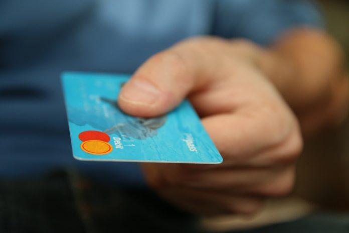 Jak zastrzec kartę płatniczą?