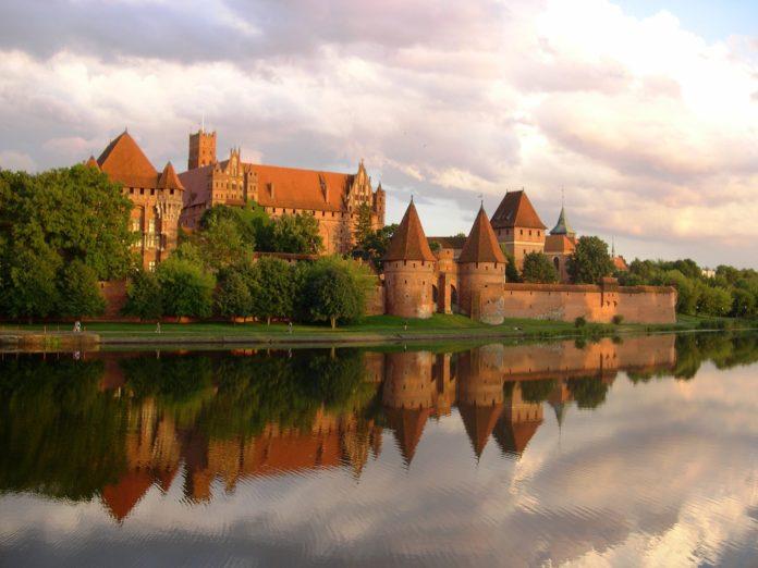 Jakie są zamki krzyżackie w Polsce?