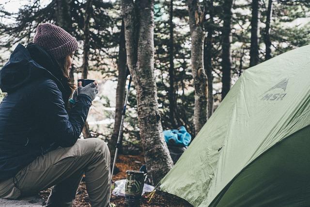 Namiot turystyczny w górach – co powinien zaoferować