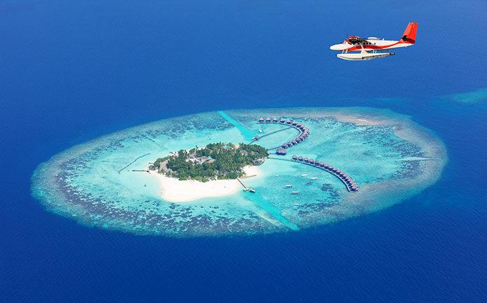 Luksusowe egzotyczne wakacje tylko we dwoje? Zamieszkaj w domku na wodzie na rajskich Malediwach!